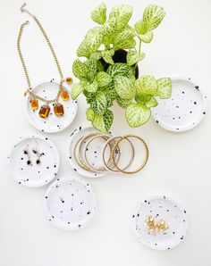 DIY speckled jewelry dishes // IKEA