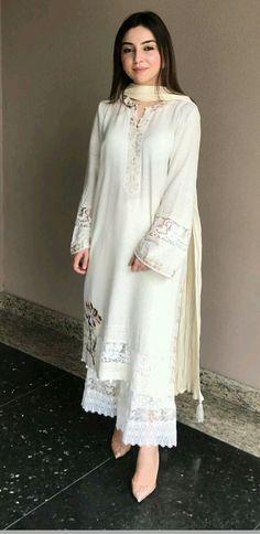 Plus Size Designer Dresses - Casual, Evening & Party Dresses Pakistani Fashion Casual, Pakistani Dresses Casual, Pakistani Dress Design, Casual Summer Dresses, Stylish Dresses, Fashion Dresses, Kurti Designs Pakistani, Pakistani White Dress, Kurti Pakistani