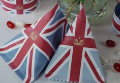 {Simply Creative} : The Pink Petticoat Blog by Liz Armstrong: Free Diamond Jubilee Party Pack