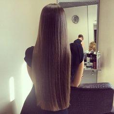 うるうるサラサラの髪に憧れる。だけど「髪質は生まれつきだから…」って諦めてはいませんか?髪がパサパサ・まとまらないと悩んでいるあなたに試してほしい、髪質をやわらかく変えるための5つの方法。髪はすぐに応えてくれるから、あなたもきっと続けられるはず。