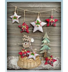Give a unique touch to your Christmas tree with these delightful ornamental craft ideas. Plus, make our favorite DIY Christmas decorations, salt dough ornaments, and craft more creative holidays! Handmade Christmas Decorations, Felt Christmas Ornaments, Christmas Holidays, Christmas Wreaths, Christmas Jewelry, Dough Ornaments, Christmas Projects, Holiday Crafts, Christmas Sewing
