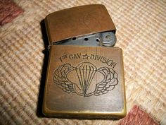 vietnam zippo lighters engravings | collectible items: Vintage 1st CAVALRY DIVISION VIETNAM ZIPPO LIGHTER