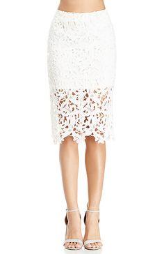 DAILYLOOK Venetian Lace Skirt in Pink M | DAILYLOOK