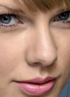 Close-up photos of your favorite celebrities - more than 5,000 of them. Seeing celeb faces this...