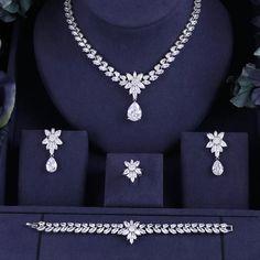 Jewelry Tags, Wedding Jewelry Sets, Cheap Jewelry, Modern Jewelry, Jewelry Accessories, Princess Cut Diamond Earrings, Diamond Jewelry, Buy Earrings, Bridal Earrings