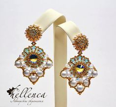 Earrings are made of two elements, one main - twining Rivoli, without interrupting the thread. The second element - a twining bases stud, in the same