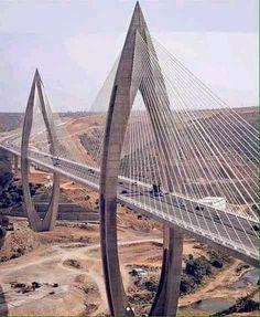 Cable suspension bridge Bridges Architecture, Japan Architecture, Amazing Architecture, Architecture Details, Bridge Structure, Bridge Design, Pedestrian Bridge, Suspension Bridge, Amazing Buildings