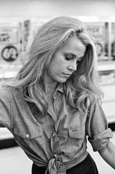Jane Fonda shopping in the 1960s