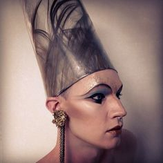 King Tut's personal assistant learned that hanging Fly Paper on a windy day was perhaps a slight oversight. #egypt #eyeliner #eyeamart #contour #art #museum #anthropology #nyfw #newyork #visionaire #versace #paris #designer #swag #stylist #styleblogger #instagood #instagram #instalove #instagay #gay #accessoriesbylylexox #me #mua #model #macpro #prada #party #fun