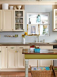 Obsessed With Kitchens  Like the linens in the baskets!