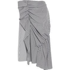 J.W.Anderson Gingham-ruffled striped cotton-poplin skirt ($560) ❤ liked on Polyvore featuring skirts, black, frilled skirt, elastic skirt, frill skirt, flounce skirt and asymmetrical hem skirt