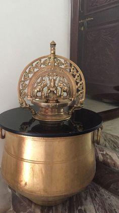 Antique Stores, Antique Items, Antique Brass, Antique Decor, Vintage Decor, Indian Interiors, Lord Vishnu, Brass Lamp, Indian Home Decor