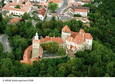 Mehrere Ausstellungen, darunter ein Friedensmuseum, können in der Burg Stadtschlaining besichtet werden. #puchasPLUS #thermenhotel #stadtschlaining #südburgenland #burg ☺☀
