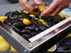 Turkish street food - Have you tried midye dolma - stuffed mussels?