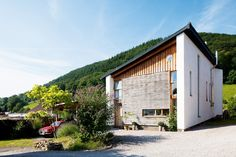 A super insulated, zero-carbon home in Wales which requires no fossil fuel energy Architecture Images, Architecture Magazines, Contemporary Architecture, Oak Frame House, Clad Home, Self Build Houses, Timber Buildings, Build Your Own House, Stone Houses