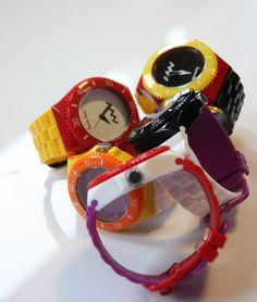 MYWAY kast red MYKS001-RD horloge (gratis en uit voorraad geleverd) | http://www.kish.nl/MyWay-MyWatch-kast-red/