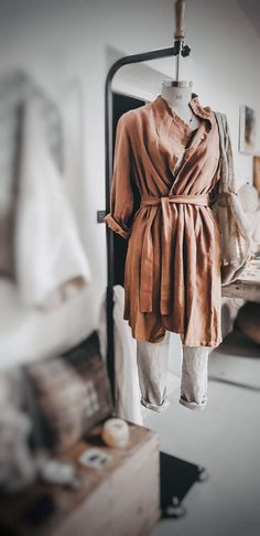 Inspired by japanese design.garments made in hemp linen and organic cotton. Pure cotton ,linen and wool. Linen Jackets, Japanese Design, Organic Cotton, Pure Products, Luxury, Clothes, Fashion, Japan Design, Moda