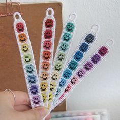 Diy Bracelets Patterns, Yarn Bracelets, Diy Bracelets Easy, Embroidery Bracelets, Summer Bracelets, Bracelet Crafts, Bracelet Designs, Handmade Bracelets, Diy Friendship Bracelets Patterns