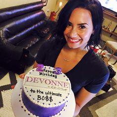 Demi's birthday cake from the Devonne by Demi team