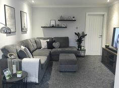 Pinterest: @claudiagabg Home Living Room, Living Room Tv Stand, Apartment Decor, Couches Living Room, Couples Living Room, Living Room Decor Gray, Couches Living Room Apartment, Living Decor, Fabulous Living Room Decor