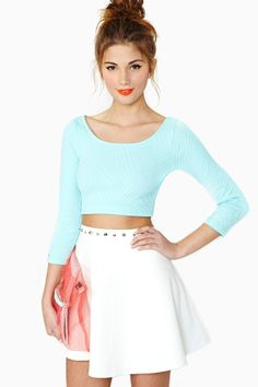 cute spring outfit :: love the high rise skirt!