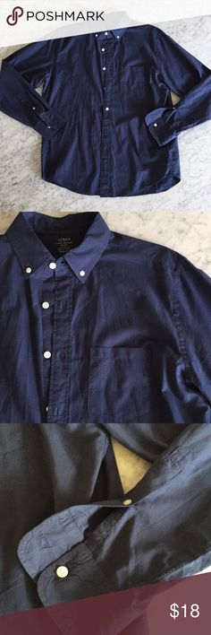 🔥🌟HP👔 J Crew lightweight button up shirt J. Crew lightweight button up shirt in navy; 100% cotton J. Crew Shirts Casual Button Down Shirts