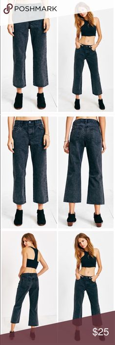 """BDG Mid Rise Relaxed Crop Jeans Urban Outfitters The ultimate relaxed + cropped jean from UO's own BDG collection. Dark denim cut with a wide + relaxed cropped leg. Sits at the hip and finished with a zip-fly and button waist closure and a classic 5-pocket silhouette. Inseam 23"""", leg opening total 16"""". Cotton. Machine wash. Color: faded black Size 27: waist flat 16"""" brand new without tag perfect condition never worn Urban Outfitters Jeans Ankle & Cropped"""