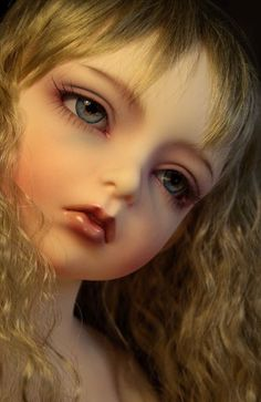 Fascinating BJD Dolls http://www.pinterest.com/aleksd/art-welcome-to-the-doll-house/
