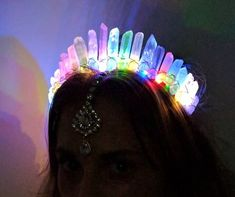 The Electric LED Crystal Crown [White Angel Aura Crystal Quartz] Electric Forest Electric Daisy Carnival, Electric Daisy Festival, Vestidos Neon, Diy Crafts How To Make, Electric Forest, Magical Jewelry, Neon Party, Crystal Crown, Rave Outfits