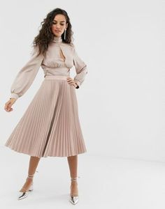Buy Outrageous Fortune midi pleated skater skirt in mink at ASOS. With free delivery and return options (Ts&Cs apply), online shopping has never been so easy. Get the latest trends with ASOS now. Pleated Midi Dress, Floral Maxi Dress, Skater Skirt, Peplum, Pleated Skirts, Asos, Fall Skirts, Mini Skirts, Fall College Outfits