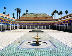 Historical and cultural private tour of Marrakech (half day) Excursion Marrakech, Road Trip, Sidewalk, Tours, Culture, Mansions, House Styles, Day, Authentique