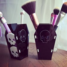 Makeup brush holder Makeup Organiser pen holder coffin gothic jewellery gothic makeup gothic Home Decor alternative home decor Gothic Makeup, Skull Makeup, Diy Makeup, Goth Home Decor, Diy Home Decor, Concealer For Dark Circles, Makeup Brush Holders, Makeup Rooms, Gothic House