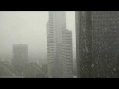 Il neige à La Défense - Janvier 2015 - YouTube