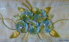 Crafts by Carla Pedreira: Flor de sianinha - Violeta