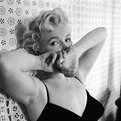 Cecil Beaton Photographer of Marilyn Monroe - Yahoo Image Search Results Marilyn Monroe, Classic Hollywood, Old Hollywood, Hollywood Glamour, Viejo Hollywood, Cecil Beaton, Lauren Bacall, Norma Jeane, American Actress