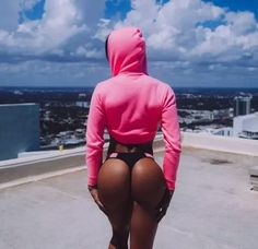 Build your Gluttes in 90 Days Gracyanne Barbosa  https://www.quora.com/How-long-does-it-take-to-build-a-booty-in-the-gym-I-have-been-lifting-very-heavy-for-11-months-but-the-progress-if-pretty-small-The-nutrition-is-OK-Do-the-glutes-really-grow