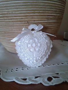 Crochet Ball, Baby Girl Crochet, Crochet Home, Irish Crochet, Crochet Sachet, Crochet Gifts, Crochet Doilies, Crochet Flowers, Crochet Stitches Patterns