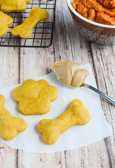 Pumpkin Peanut Butter Dog Treats recipe - your pups will love these homemade dog treats!