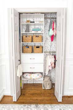 A full organizational overhaul on a nursery closet that is packed full of functional storage solutions for baby, plus a free closet divider printable set. #closetmakeover #organization #freeprintable #blesserhouse