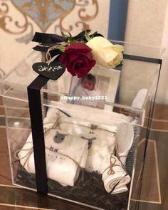 مواليد هدايا Homeade Gifts, Diy Gifts, Baby Gift Box, New Baby Gifts, Baby Shower Baskets, Baby Shower Gifts, Gifts For Pregnant Friend, Wedding Cards, Wedding Gifts