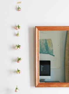 DIY rose garland (would be awesome for a Derby Party!) from gardenista