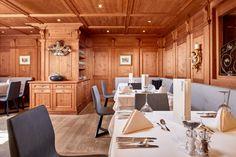 Die gemütliche Feldhof Stube für kulinarisch anspruchsvolle Abende Restaurant, Conference Room, Furniture, Home Decor, Double Room, Rooftop Terrace, Twist Restaurant, Homemade Home Decor, Diner Restaurant