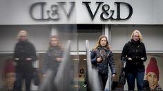 V&D heeft vorig jaar een verlies geleden van 49 miljoen euro. Vooral de loonkosten dreigen het voortbestaan van de keten in gevaar te brengen.