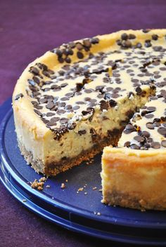 Küchenzaubereien: Bailey's Chocolate Chip Cheesecake - Recipe in German Sweets Cake, Cupcake Cakes, Cupcakes, Cheesecake Recipes, Dessert Recipes, Cheesecake Cups, Delicious Desserts, Yummy Food, Chocolate Chip Cheesecake