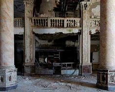 Abandoned Hotel Durant in Flint, MI...I wish I could've seen this beauty in its heyday~