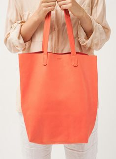 Baggu Basic Tote in Persimmon. Want one in every color!