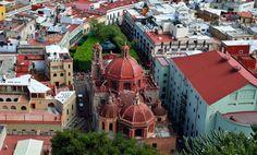 Edificios con historia que datan del siglo XVI, el aire colonial de #Guanajuato y sus construcciones  invitan a dar una vuelta por otros tiempos. http://www.bestday.com.mx/Hoteles/