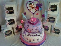 Magnifique gâteau Violetta