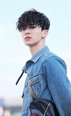 """How long are you going to keep staring at me?TH """"A… lee gikwang Hot Korean Guys, Cute Korean Boys, Korean Men, Asian Boys, Korean Hair, Tattoo Korean, Beautiful Boys, Pretty Boys, Hight Light"""