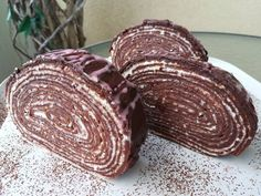 Csokis-mascarponés tekert süti 🥧 Cookie Desserts, Chocolate Desserts, Easy Desserts, Waffle Cake, Hungarian Recipes, Dessert Drinks, Recipes From Heaven, Desert Recipes, Creative Food